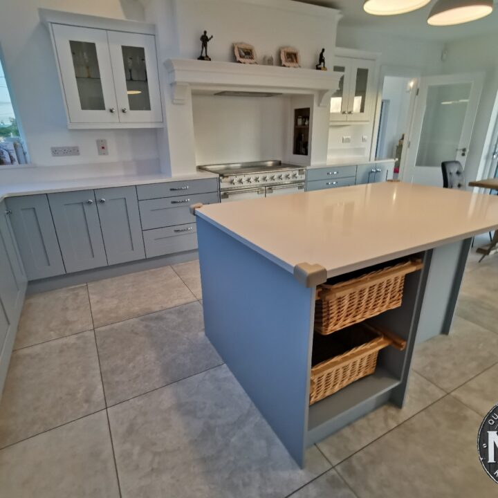 This solid painted kitchen is from our MLK Ashford collection and we absolutely love this one.