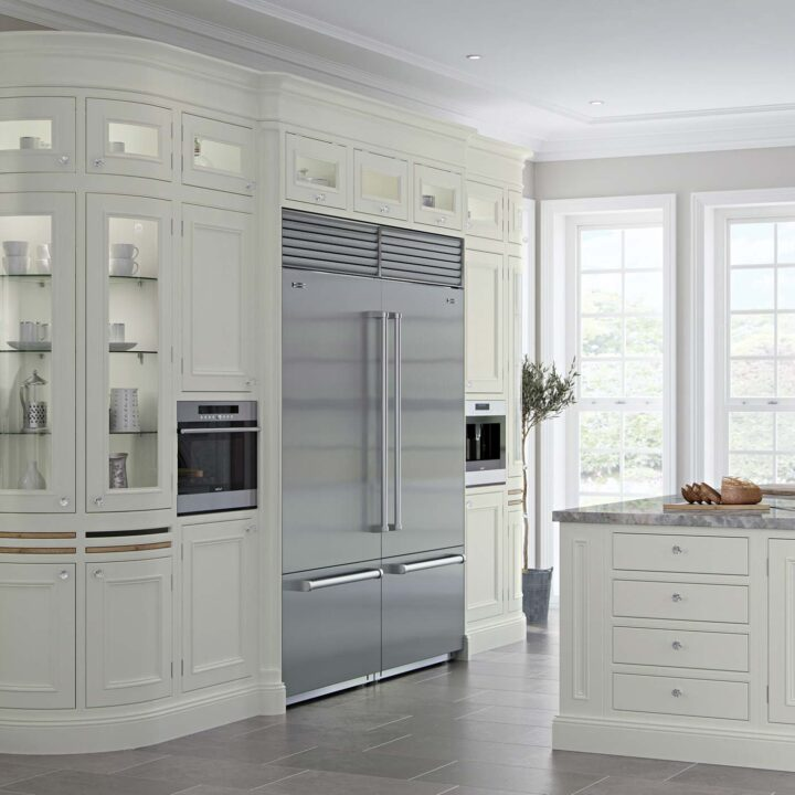 Charlotte Cameo Classical Kitchen - Mark Lohan Kitchens