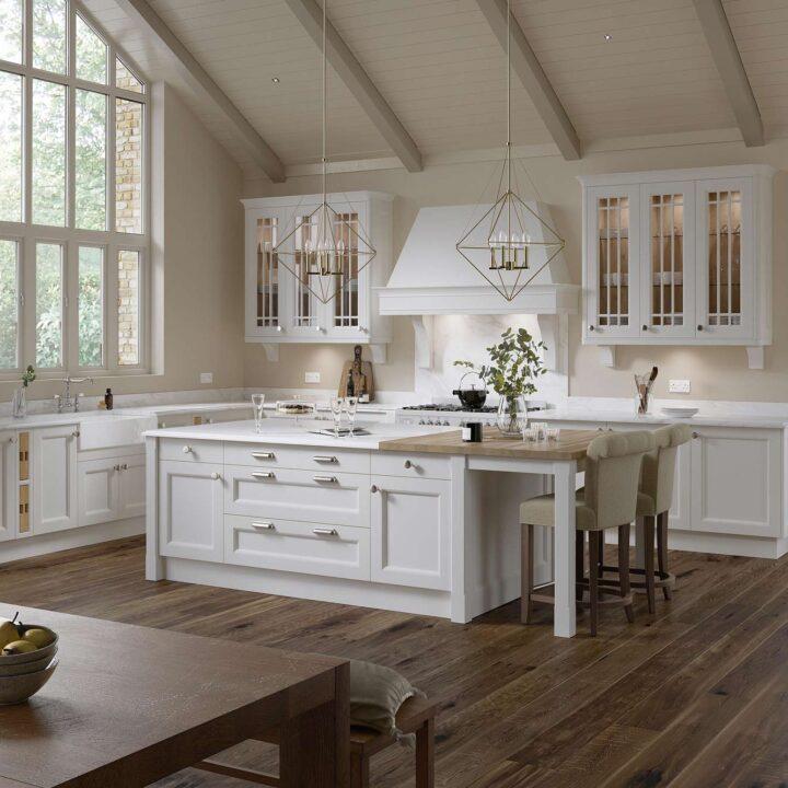Aylesbury Classical Kitchen - Mark Lohan Kitchens